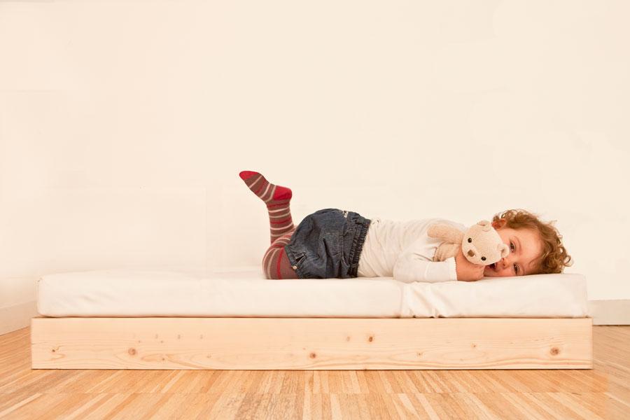 Lettino futon design per bambini - Pipi a letto a 4 anni ...